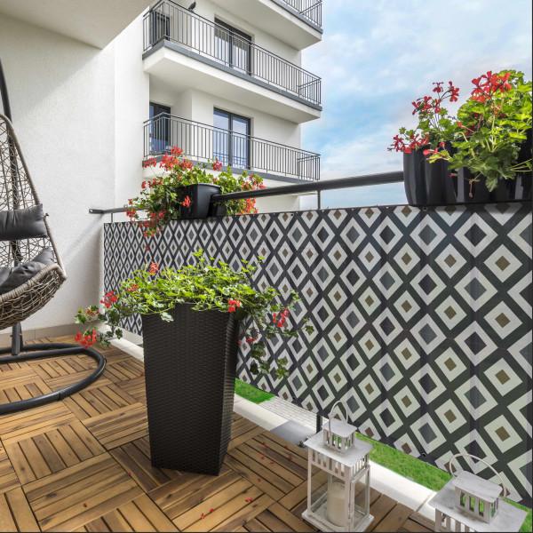 Balcony Kojo